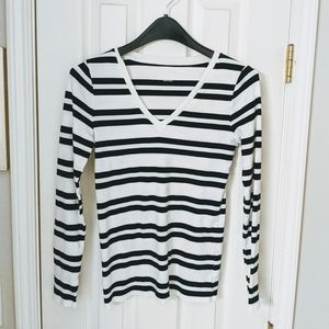 Merona long sleeved black and white Tee